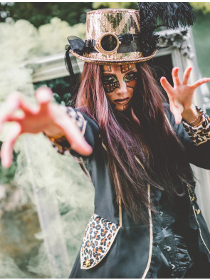 Lookbook Steampunkerin im Leo-Look